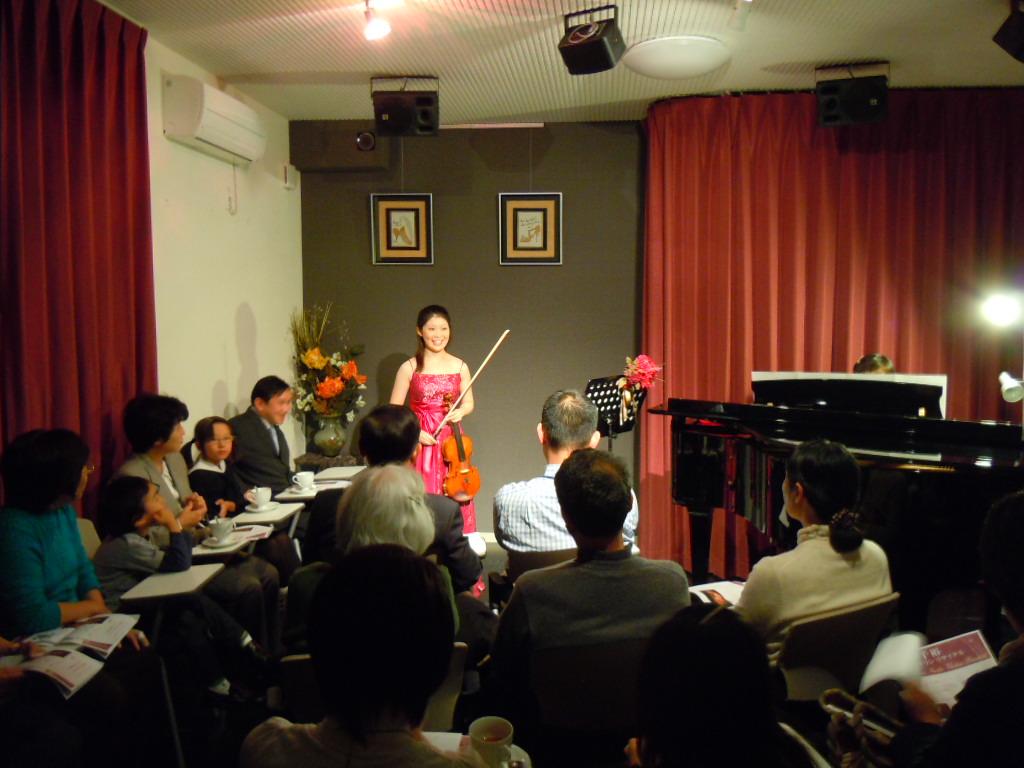 http://chanter-yachiyo.com/2010/11/10/2010_1031_163456-DSCN0286.JPG