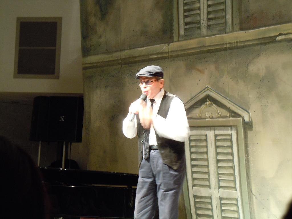 http://chanter-yachiyo.com/2011/09/26/2011_0924_182528-DSCN1468.JPG