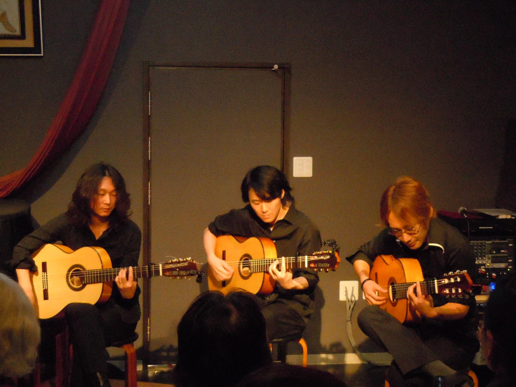 http://chanter-yachiyo.com/2011/10/30/2011_1029_145042-DSCN1556.JPG